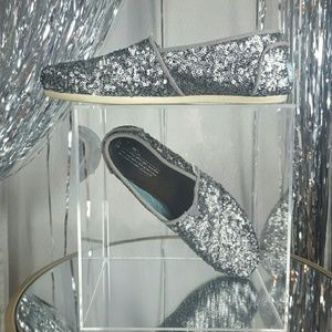 Toms | Sz 8 Sequin Silver Blue Lining Flat Canvas